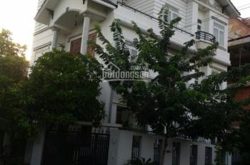 Cho thuê villa phường Bình An, Q2. DT 300m2, 1 sân rộng 1 trệt, 3 lầu NT đủ, giá 50tr/th 0937334693