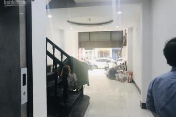 Chính chủ cho thuê nhà mặt phố Hòa Mã ngã tư Phố Huế: 110m2 x 6T, thang máy, MT 5,5m. 0906216061