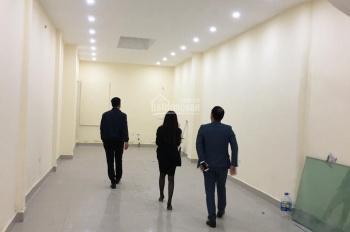 Cho thuê nhà mặt phố Trần Xuân Soạn, 100m2 x 5 tầng, MT 5m, giá thuê 80 tr/tháng. LH: 0974433383
