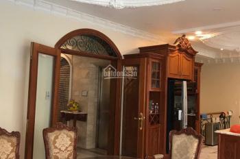 Bán biệt thự Trần Quốc Toản, P. 7, Q 3 DT: 11x14m, 3 lầu mới đẹp, giá chỉ 31 tỷ. Hà 0902365349