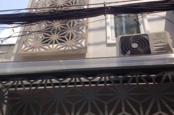 Chính chủ bán nhà phố Hồ Biểu Chánh, Phú Nhuận, trệt, 2 lầu, sân thượng, sổ hồng sang tên ngay