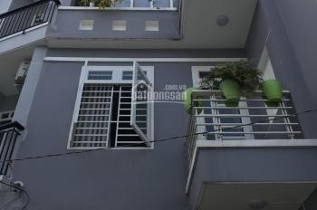 Bán nhà 2 lầu, giá 4,6 tỷ, đường Lê Văn Thịnh rẽ vào, quận 2. LH: 0936666466