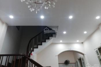 Chính chủ cho thuê nhà riêng Đê La Thành, 4PN đủ đồ giá cực tốt 13,5 tr/th, vào ở ngay, 0969056089