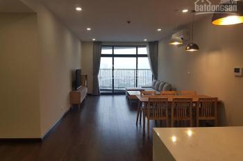 Cho thuê căn hộ 4 phòng ngủ tầng cao tòa nhà Discovery Complex 302 Cầu Giấy