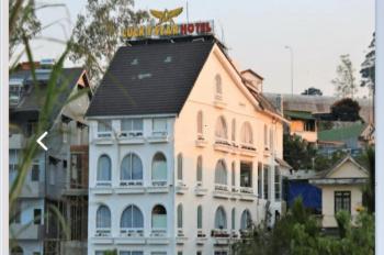 Bán khách sạn Đà Lạt Lucky Star đông khách