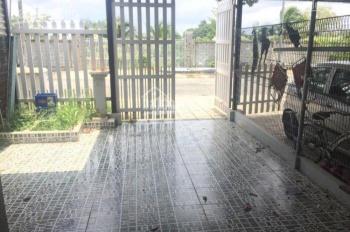 Cho thuê nhà 1 trệt, 1 lầu, 2 PN, 2 WC khu Tiamo Phú Thịnh, sân ô tô, có 2 máy lạnh, giá 10tr/tháng