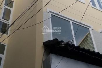 Cho thuê nhà nguyên căn ngay trung tâm quận 4, 3 lầu chỉ với 15 tr/th, 0898521165