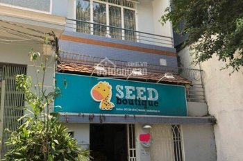 Bán nhà đúc 1 trệt, 1 lầu hẻm đường Quốc Hương, DT 4.20m x 19.90m. Tel 0906486506