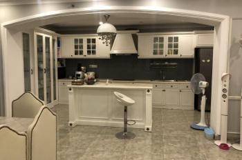 Cho thuê căn hộ Sunrise City nội thất đẹp, giá chỉ: 34 triệu/tháng. LH: 0919929464 Huyền