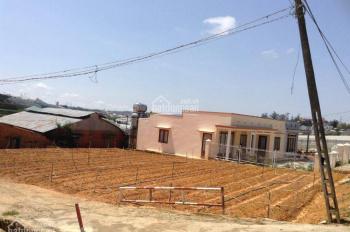 Chính chủ bán lô đất đẹp đường Ngô Tất Tố gần Thung Lũng Tình Yêu và Đồi Mộng Mơ. LH: 0913 952932