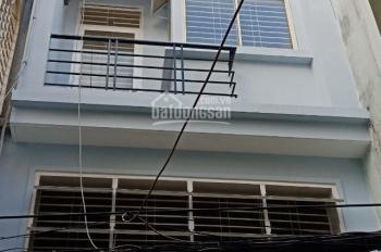 Cho thuê nhà hẻm 8m Trần Hưng Đạo gần quận 1, DT 7m x 16m, trệt, 3 lầu, sân thượng