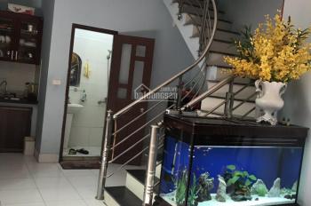 Bán nhà riêng ngõ 281 Trương Định, Hai Bà Trưng 32m2 * 4 tầng, taxi đỗ cạnh, giá 2.2 tỷ, 0979309299