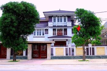 Bán gấp biệt thự đường 6m vip Lam Sơn, Bình Thạnh, DT 9x18m, 2 lầu. Nội thất gỗ cao cấp, sang trọng