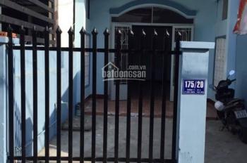 Bán nhà Linh Xuân, diện tích: 88.3m2, giá 3.3tỷ, có sân để xe hơi, đường rộng 4m, LH 0906.697.386