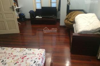 Cần bán căn hộ chính chủ tập thể Nghĩa Tân, tầng 3, DT 80m2, 3 phòng ngủ, phòng khách, bếp, PĂ