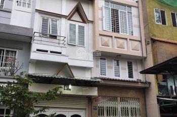Bán nhà mặt phố Ngô Quyền, Q10, DT: 8x21m, giá tốt nhất thị trường