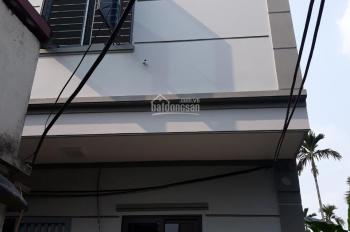 Bán nhà 37m2, 2 tầng 1 tum gần tổ 2 Yên Nghĩa, Hà Đông, giá 900 triệu