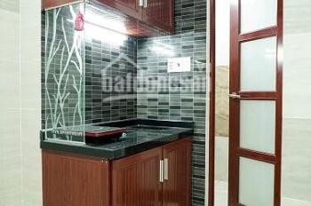 Cho thuê phòng cao cấp, ngay ngã tư Phú Nhuận, giáp quận 1. LH 0909 836 787