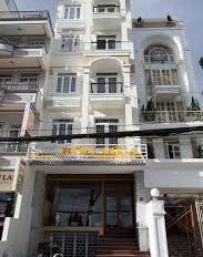 Bán nhà 2 mặt tiền đường Tô Hiến Thành, Phường 13, Quận 10. DT: 5,2m x 28m, 5 lầu thang máy