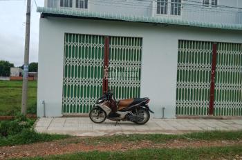 Cần bán nhà vi bằng ngang 4 x 7m dài, 28m2. Giá bán 400 tr, vị trí đất nằm xã Tân Thông Hội