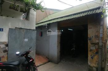 Cho thuê kho hơn 300m2 gần chợ đầu mối Long Biên, 25tr/ tháng. HĐ dài hạn