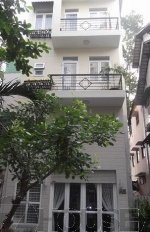 Bán nhà góc 2 MT Bà Hạt, Q.10, DT: 3.3*16, 3 lầu. Nhà mới đẹp lung linh