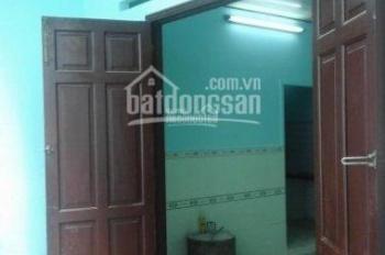 Cho thuê nhà Nguyễn Biểu, P1, Quận 5, nội thất cơ bản 1PK, 2PN, 1WC, 1 bếp, 9 triệu/tháng