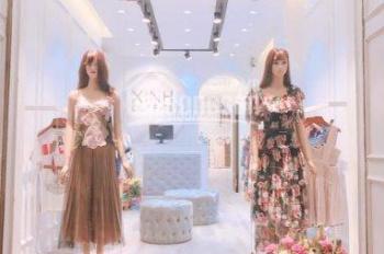 Cho thuê cửa hàng phố Chân Cầm 23m2, MT 3m, giá thuê 15tr/tháng. LH: 0974433383