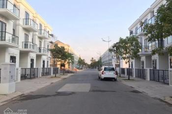 Bán nhà phố Sim City Q. 9 nhận nhà ngay DT: 5x16m, giá 4.4 tỷ, 0909128189