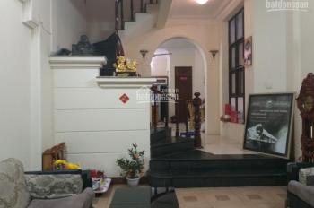 Cho thuê nhà mặt ngõ Tây Sơn, cách phố Tây Sơn 30m, ô tô đỗ cửa, DT: 260m2 sàn, giá 20 triệu/tháng