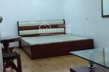 Cho thuê nhà phố Hàng Buồm 50m2 đủ đồ sàn gỗ nhà thoáng gần đường, giá 8tr/th