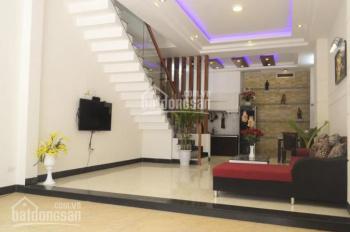 Cho thuê nhà 2 mặt tiền đường Hoàng Hoa Thám, P6, Bình Thạnh, giá cho thuê 50tr/th. LH: 0913556702