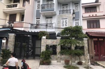 Bán gấp nhà phố Tạ Quang Bửu, Quận 8. LH: 0935206887
