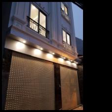 Bán nhà 5 tầng xây mới 50m2, tại phố Bồ Đề, giá chỉ 5 tỷ, có gara ô tô. Liên hệ 0963492345