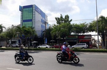 Bán (1124m2) nhà đất mặt tiền đường 30/4 ngay trung tâm thành phố Cần Thơ
