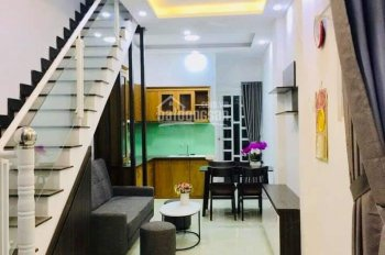 Bán nhà mới xây đường Hà Huy Giáp, Quận 12. Đúc 1 trệt 1 lầu, đường xe hơi, tặng nội thất cao cấp