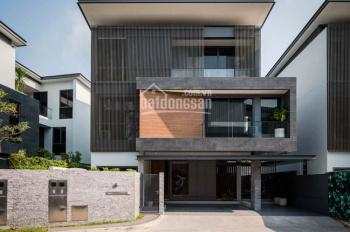 Cho thuê nhà mặt phố Hàng Gai 200m2 x 3 tầng, MT 9m giá thuê 138.9 triệu/th. Liên hệ: 0974433383