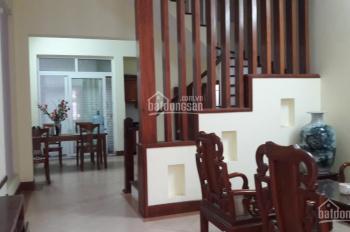 Cần bán gấp nhà phố Nguyễn Khánh Toàn, kinh doanh hoặc cho thuê VP, DT 50m2, 5 tầng. LH 0913322279
