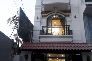 Nhà phố 4x15m 1 trệt 2 lầu ngay chợ Hiệp Bình dọn ở ngay tặng nội thất gỗ