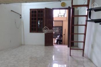 Bán nhà đất nhà C4 có gác lửng đang sử dụng 47m2 phố Nguyễn Đức Cảnh. SĐCC