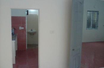 Cho hộ gia đình thuê nhà một tầng, 2 phòng ngủ, 1 phòng khách tại Tây Hồ, Hà Nội