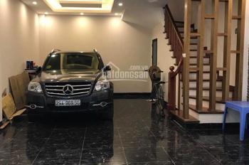 Bán nhà 299 Hoàng Mai-cầu Mai Động, 40m2 x 4T, ô tô 7 chỗ vào nhà, KD tốt, giá 4.05 tỷ