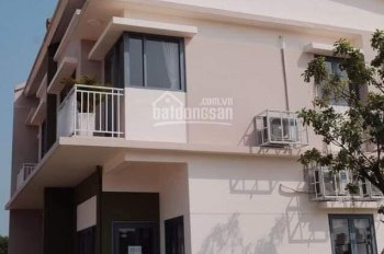 Không đủ tiền thanh toán nên sang tên gấp căn nhà mới xây 1 trệt, 1 lầu, mặt tiền kinh doanh tốt