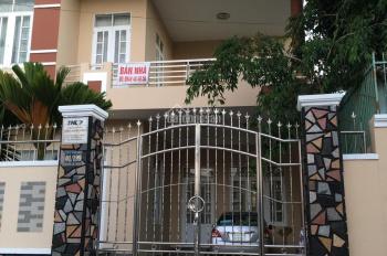 Cần bán nhà biệt thự tại trung tâm thành phố Pleiku