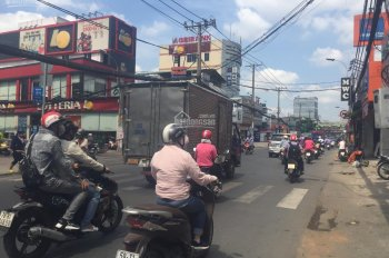 Mặt tiền đường Lê Văn Việt nhà 3 lầu ngang 13m đang cho thuê 120 triệu tháng