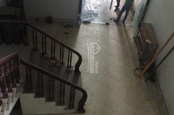 Bán nhà mặt phố TT trấn Chũ, Bắc Giang, ô tô đỗ cửa, 2 tỷ 897