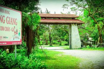 Cần bán khu du lịch nhà hàng Hoàng Giang, cách trung tâm TP Ninh Bình 8km. LH: Anh Ngọc 0961933999