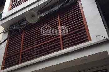 Bán nhà Phạm Tuấn Tài - Cầu Giấy, DT 45m2, MT 4,5m, giá 8 tỷ ô tô 7 chỗ đỗ trong nhà, 0981746866