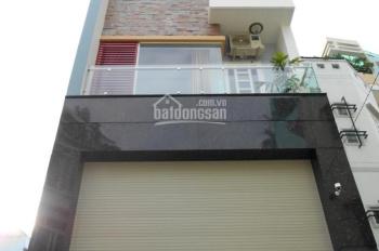 Cho thuê nhà mặt phố Lò Đúc, DT: 80m2 x 4 tầng, MT 5m, giá 52 tr/tháng