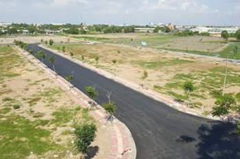 Đất Long An sát đường lớn, full hạ tầng, SHR có sẵn, 500m2/nền/850tr. Quá hot